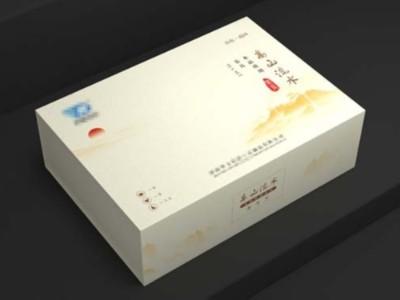礼品包装盒在进行覆膜工艺时有色差吗?