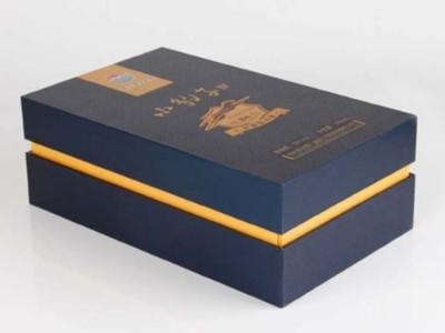 包装盒定做厂家为您分析,为什么酒盒包装覆膜后会出现颜色色差?